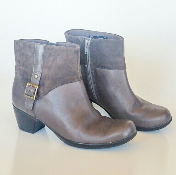 Clarks Grey Leather Womens Ankle Boots